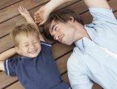 Как мужчина относится к малышу на разных этапах его взросления или этапы отцовства.