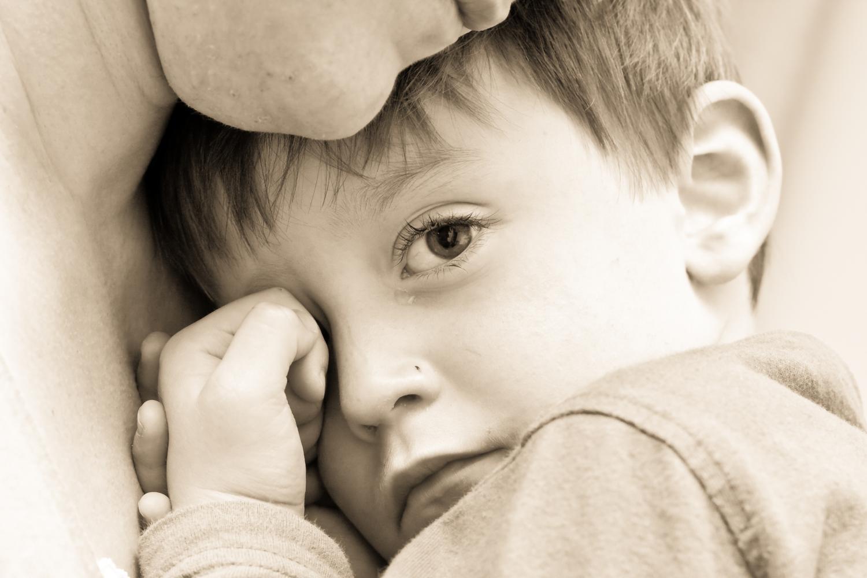 Ребенок боится всего нового: что делать родителям?