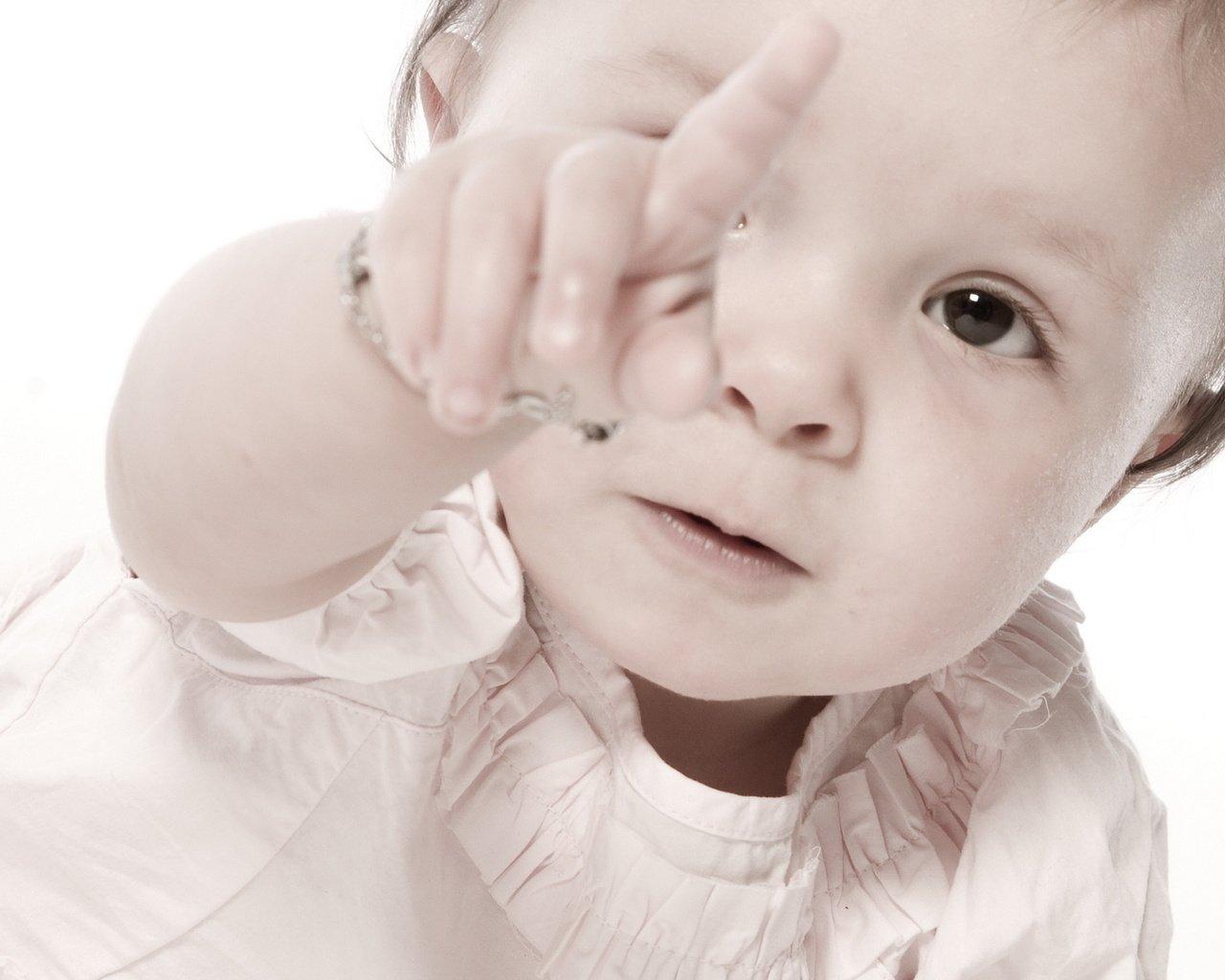 У ребенка заноза? Как ему помочь?