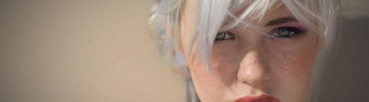 Седые волосы: закрасить или лечить?