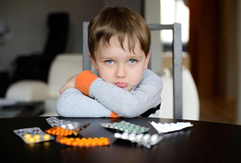 Нервный тик у ребенка: почему возникает и как лечить?