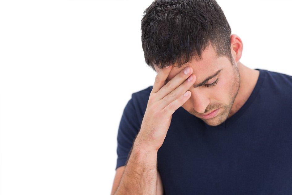 Послеродовая депрессия у пап: почему она возникает и как помочь