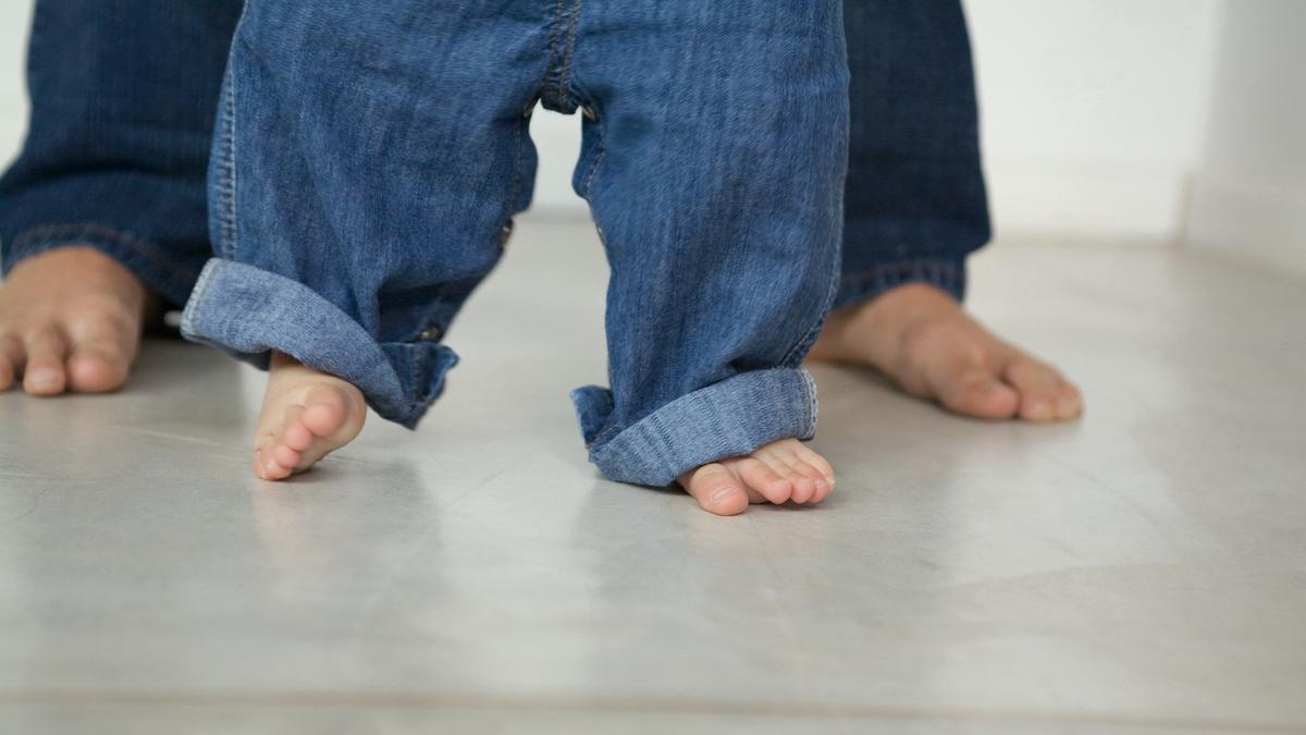 Почему ребенок ходит на носочках
