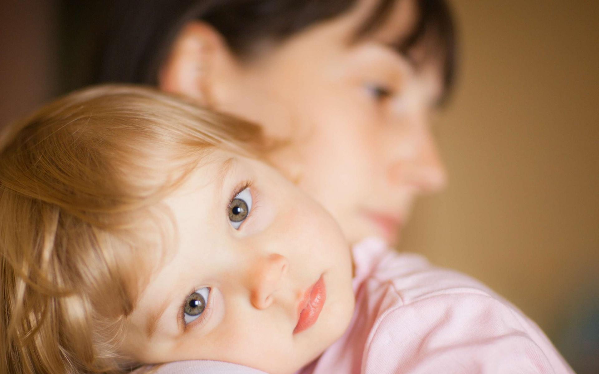 ребёнок и мама