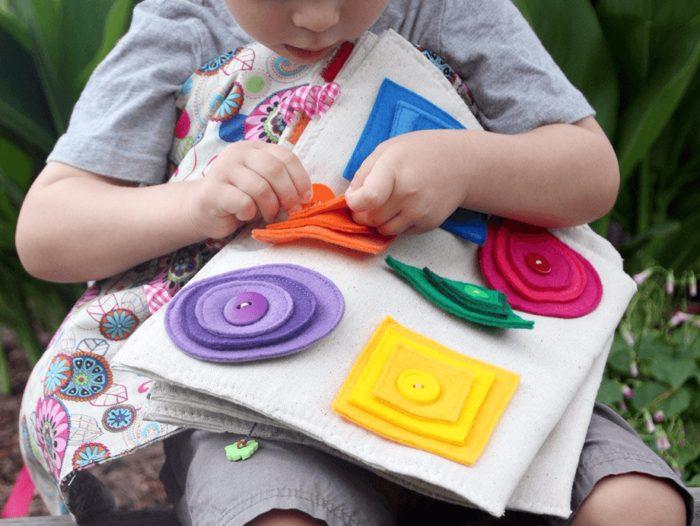 Детские развивающие игрушки своими руками и