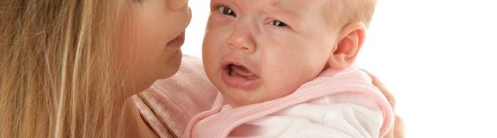 Почему плачет грудной ребенок? Причины плача новорожденных