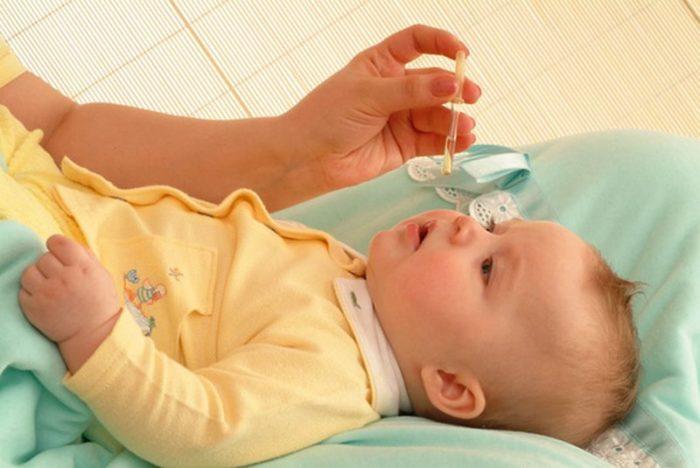 Закапывание носа ребёнку