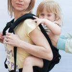 Усаживание ребёнка в эрго