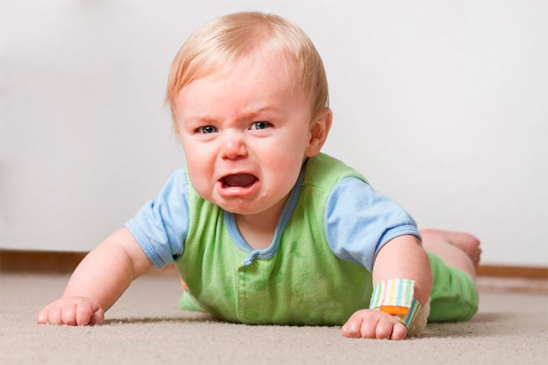 Ребёнок плачет после прикорма