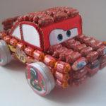Машинка из конфет