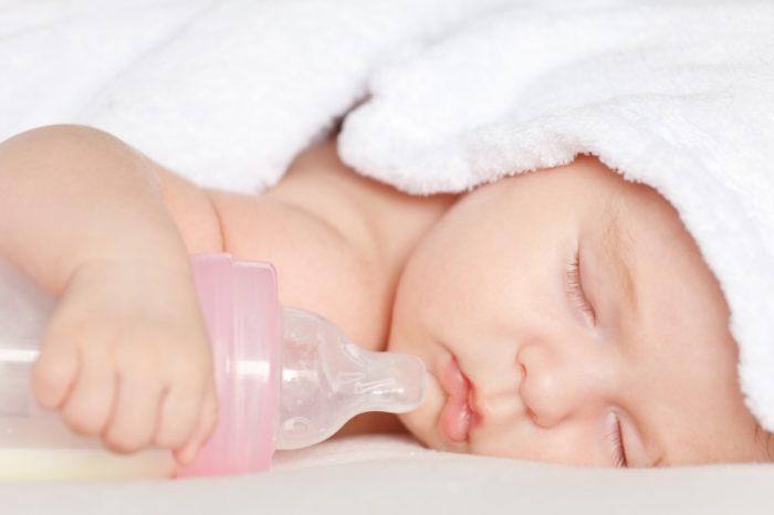 Младенец много спит