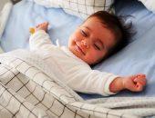 малыш спит ночью