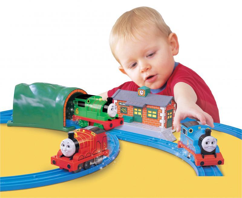 Подарок мальчику на день рождения в 2 года: говорит и показывает