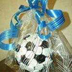 Подарок из конфет
