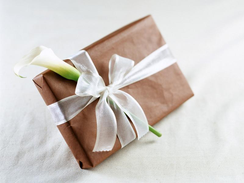 Варианты подарков юной леди в день тринадцатилетия