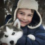 Мальчик и хаски