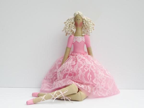 Кукла-тильда в розовом