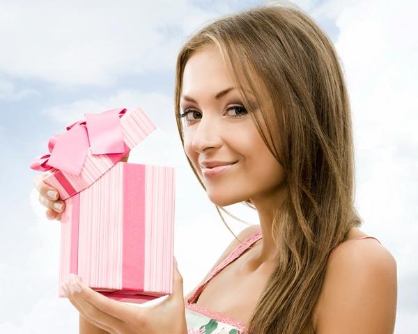 Подарок для подружки сына