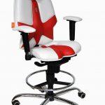 Мягкое компьютерное кресло с регулируемой спинкой