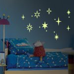 Светящиеся наклейки-звёзды в детскую