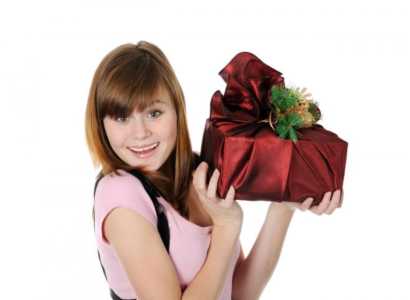Подарок женщине на