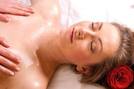 Видео массажа груди и сосков доверчивой