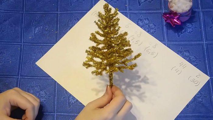 Новогодняя елка из проволоки шенил