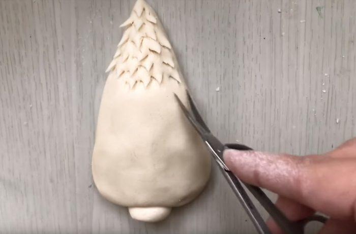 Формирование елки из соленого теста