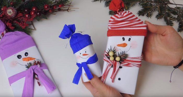 Снеговики из плитки шоколада