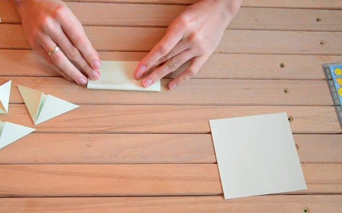 Треугольники из бумаги для открытки