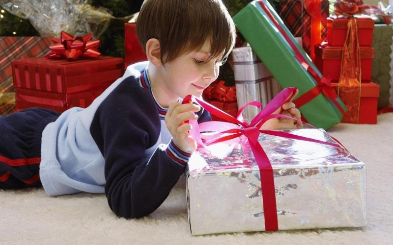 Подарок на день рождения для восьмилетнего ребёнка: особенности выбора