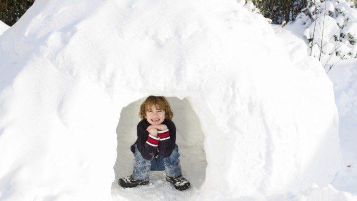 Мальчик в снежной юте
