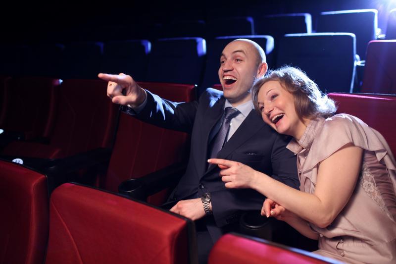 Можно ли беременным ходит в кинотеатр и как делать это правильно