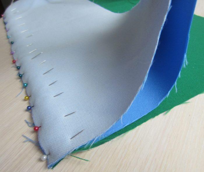Соединение булавками основы и подложки из флизелина