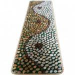 Массажный коврик из камешков