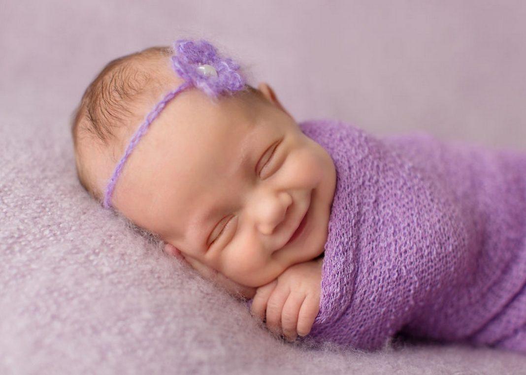 Новорождённый плохо спит: причины нарушения сна днём и ночью