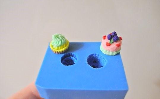 Фигурки из полимерной глины, сделанные с помощью молда