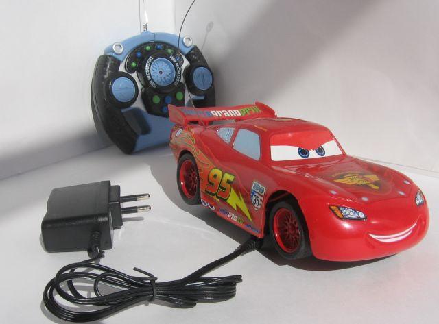 Машинка на пульте управления для детей, старше трёх лет