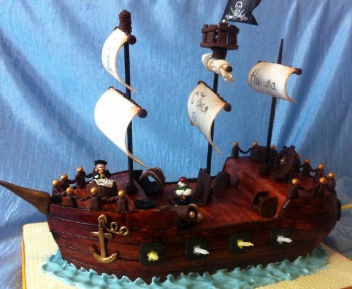 Торт на заказ в виде корабля