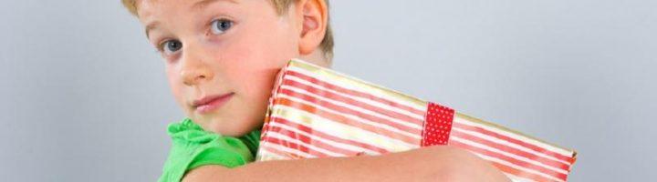Выбор подарка для восьмилетнего мальчика - ответственное занятие
