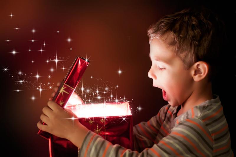 Что подарить мальчику на день рождение и другие важные праздники
