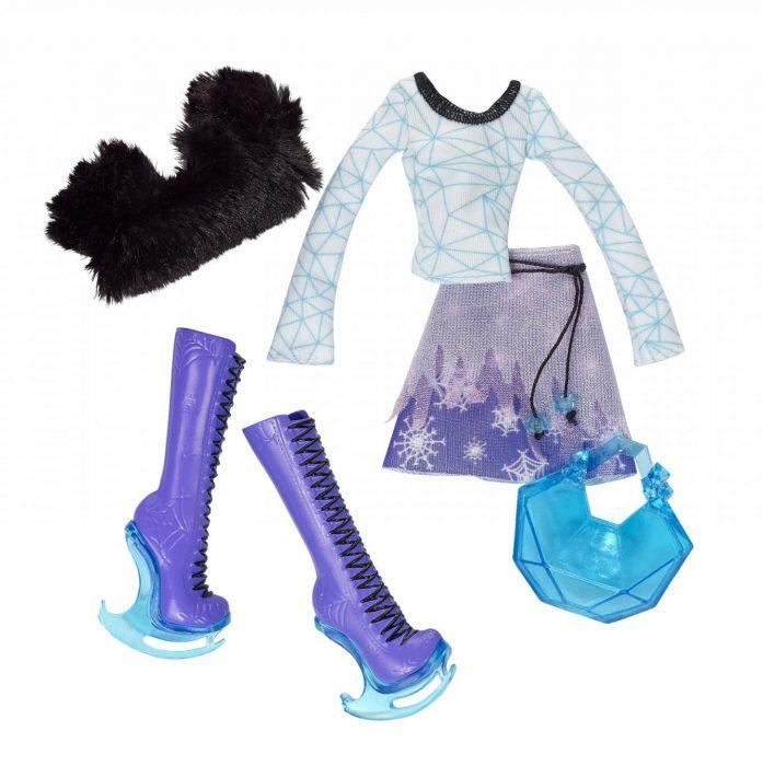 Одежда и аксессуары для куклы