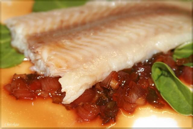 Рыба, запечённая с мелиссой