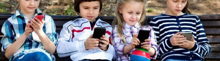 Телефонная зависимость у детей становится приметой современной жизни