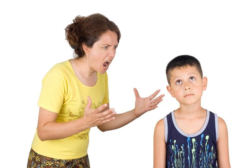 Почему нельзя кричать на детей: опасность такого метода воспитания