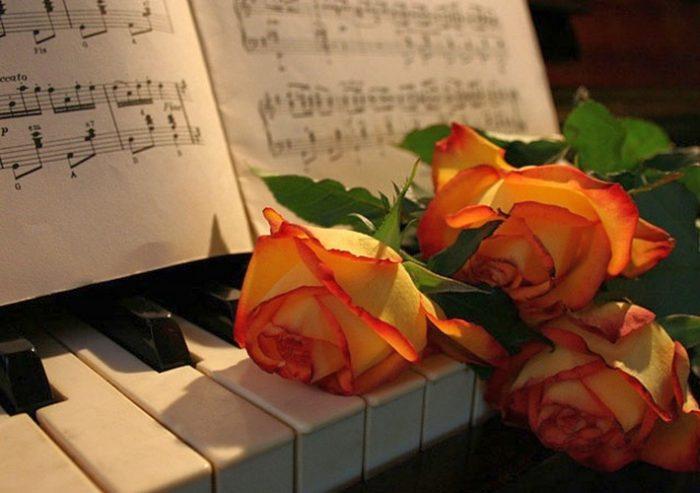 Пианино и розы
