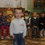 Мальчик рассказывает стихотворение