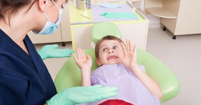 Ребёнок боится лечить зубы: решаем проблему