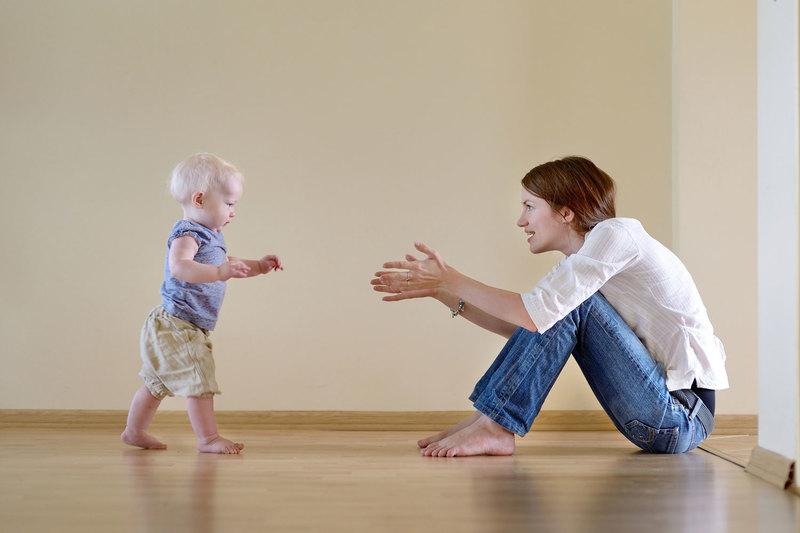 Как научить ребёнка ходить самостоятельно