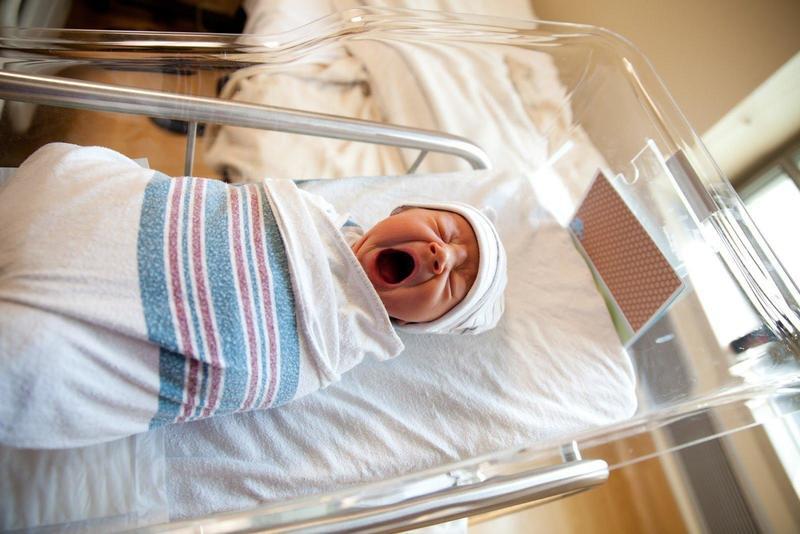 Выписка из роддома — первый праздник для малыша